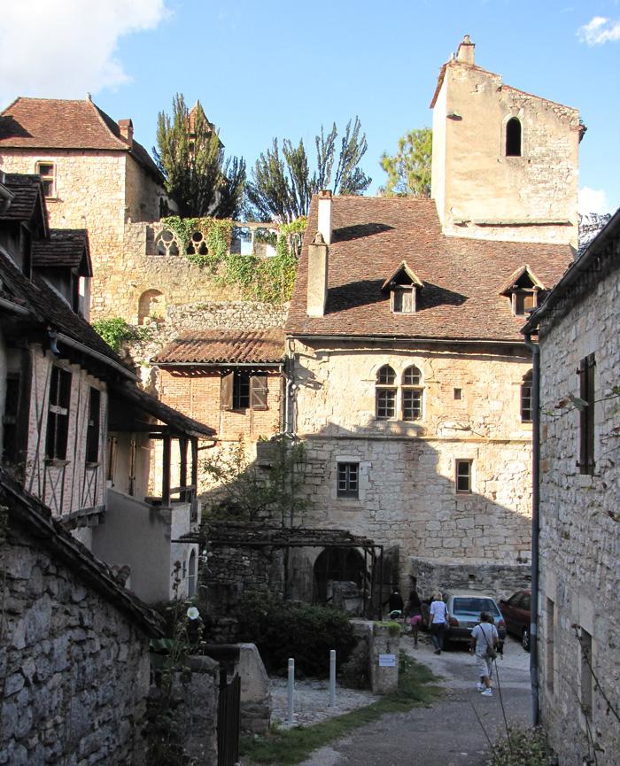 Saint-Cirq-Lapopie-700x865